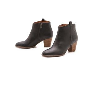 Madewell Billie Boots in True Black